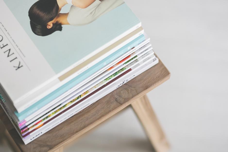 magazines-stack-reading-magazine